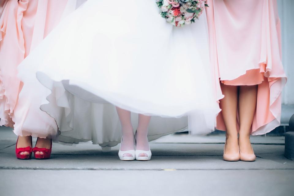 Suknie ślubne i suknie wieczorowe