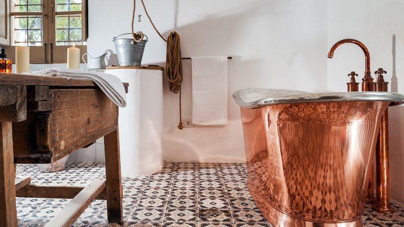 retro lazienka - ile kosztuja wanny i umywalki miedziane