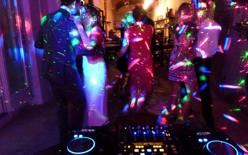 wybieramy DJa na wesele