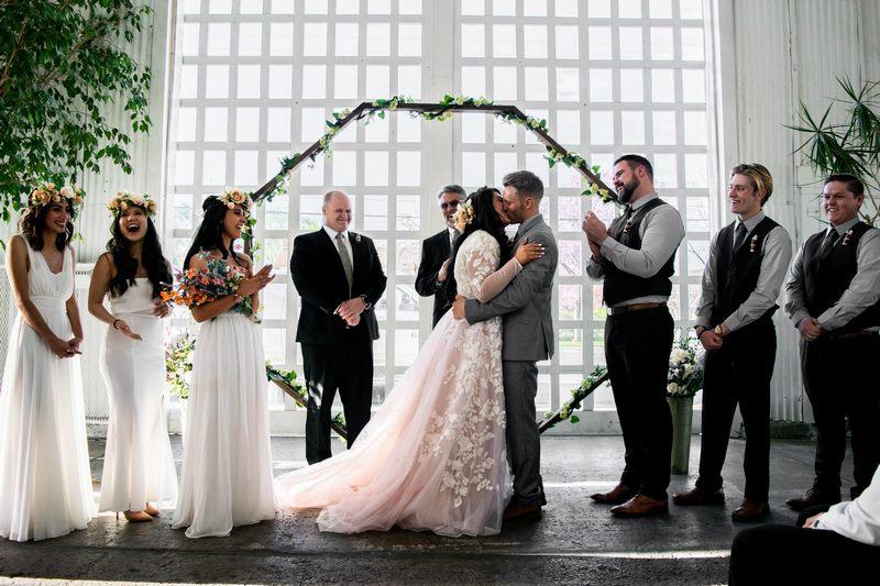 Kreacje ślubne w stylu boho – ogólna charakterystyka